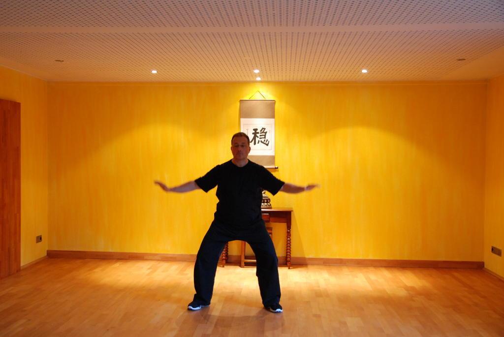 Qigong_Taichi_Yoga-Studio - Tao Institut - Dortmund, Roland Neumann-Qigong_001